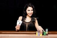 ace_poker_play_photoshoot_010320140013